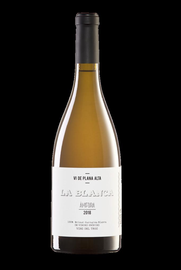 Botella de vino con etiqueta diseñada por Vistudio
